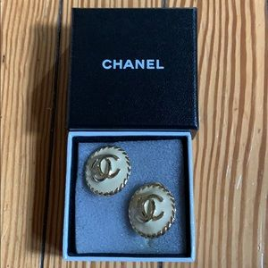 Chanel authentic clip on vintage earrings